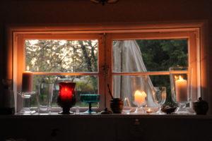 minimalist tiny windows house with candle design