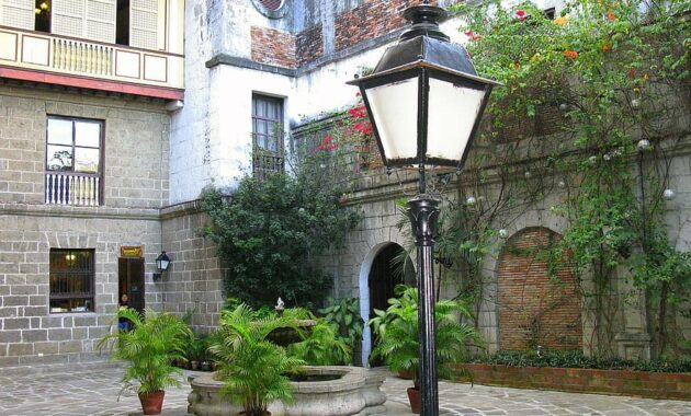 backyard patio street lamp court buildings courtyard architecture building landmark