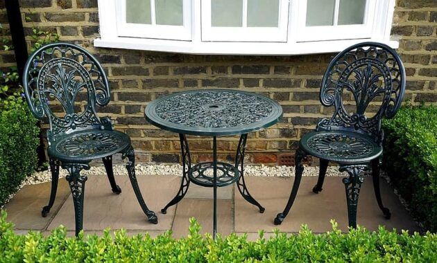 garden chairs summer outdoor furniture green table home grass