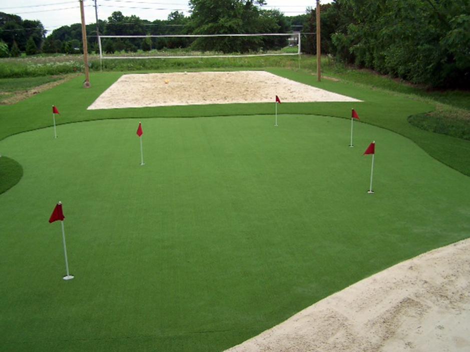 backyard putting green design