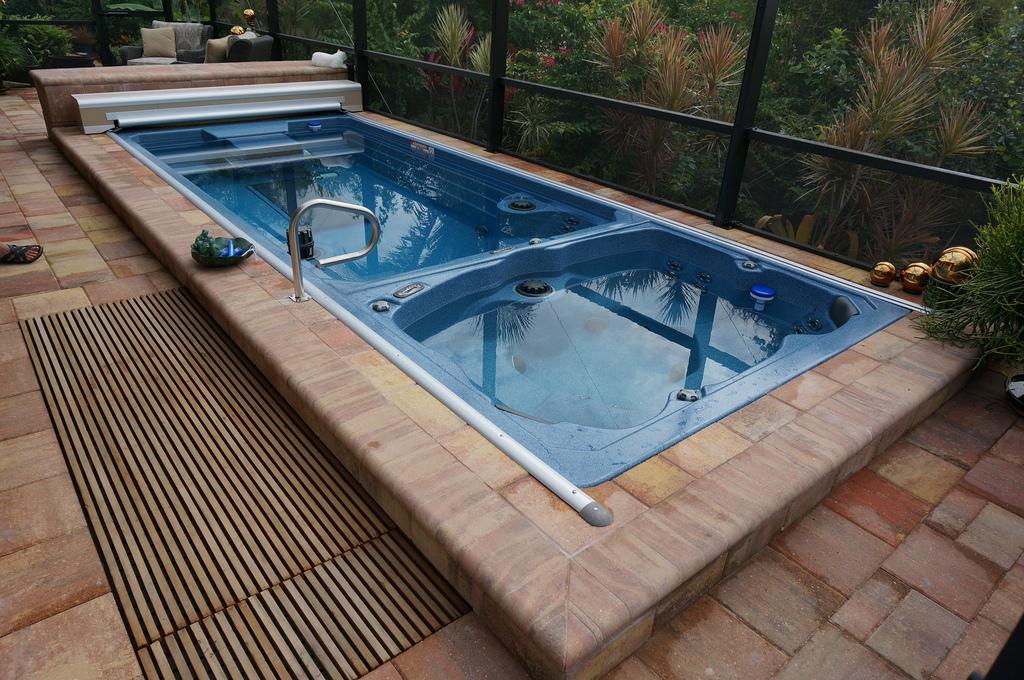 bakyard pool designs
