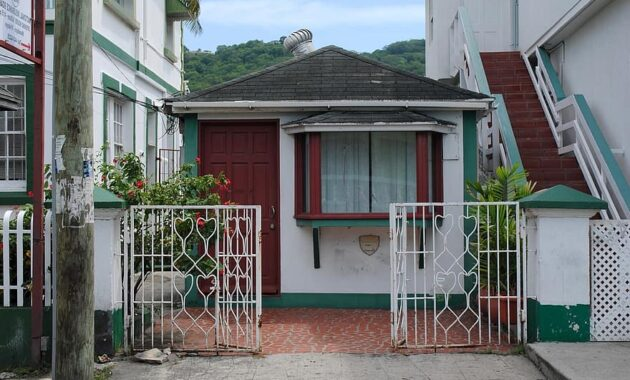 carriacou grenada caribbean west indies architecture building town center storefront old
