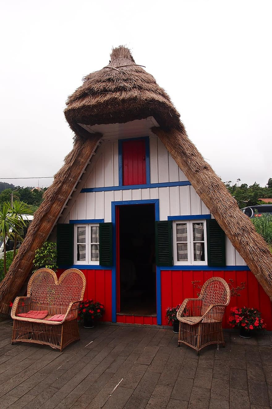 cottage reed portugal hut small house