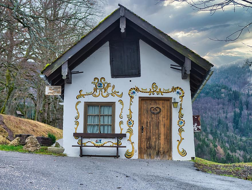 hut house small old building rural rustic architecture live