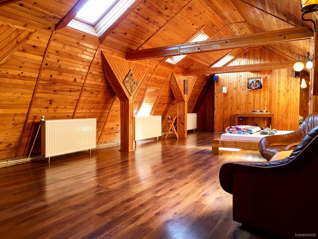 simple interior design wooden house