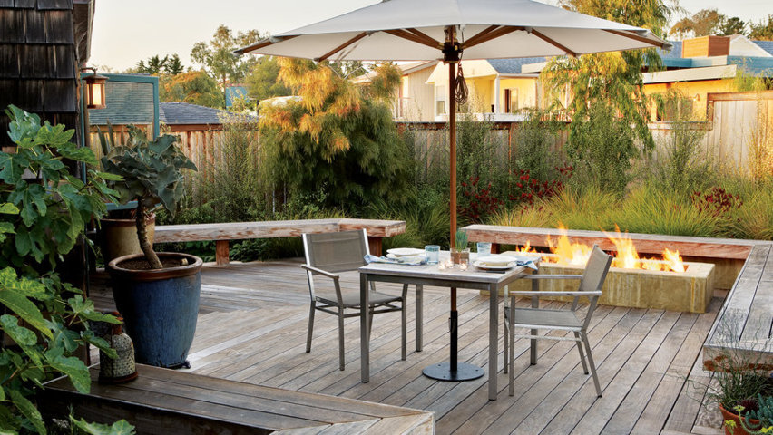 simple outdoor dining room