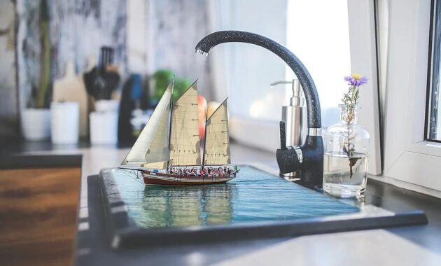 manipulation shop kitchen faucet water boat sailing boat kitchen tool assembly