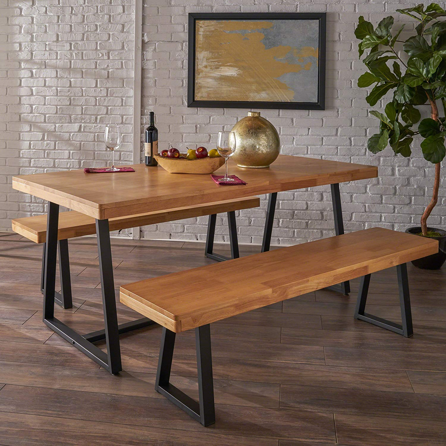 table design with metal design