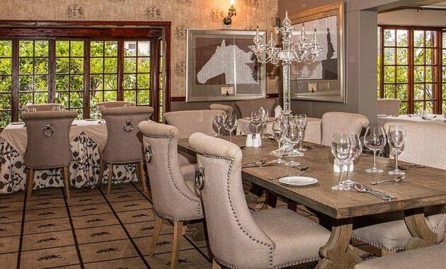 hotel dining room restaurant elegant dinner dining luxury table service