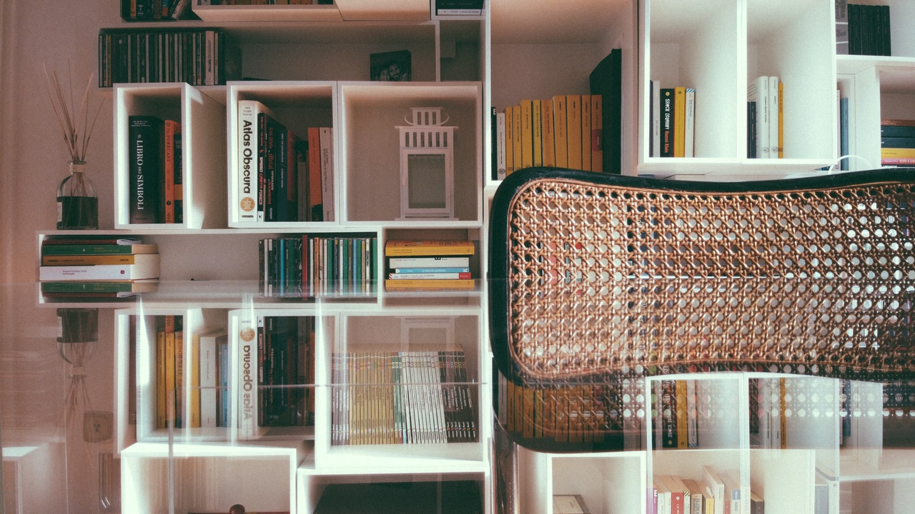 apartment bookshelf ideas