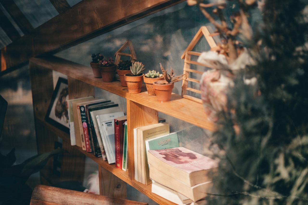 bedroom bookshelf ideas