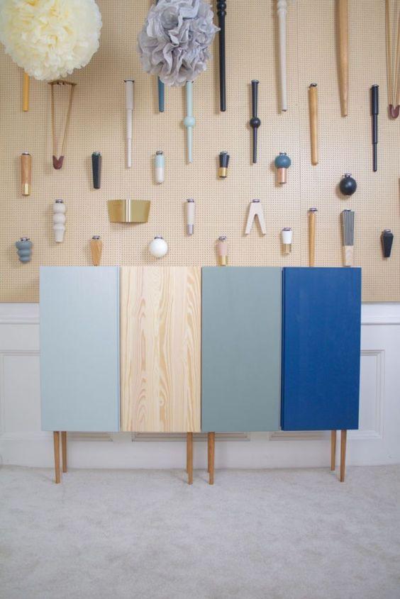 simple bookshelf colorful ideas