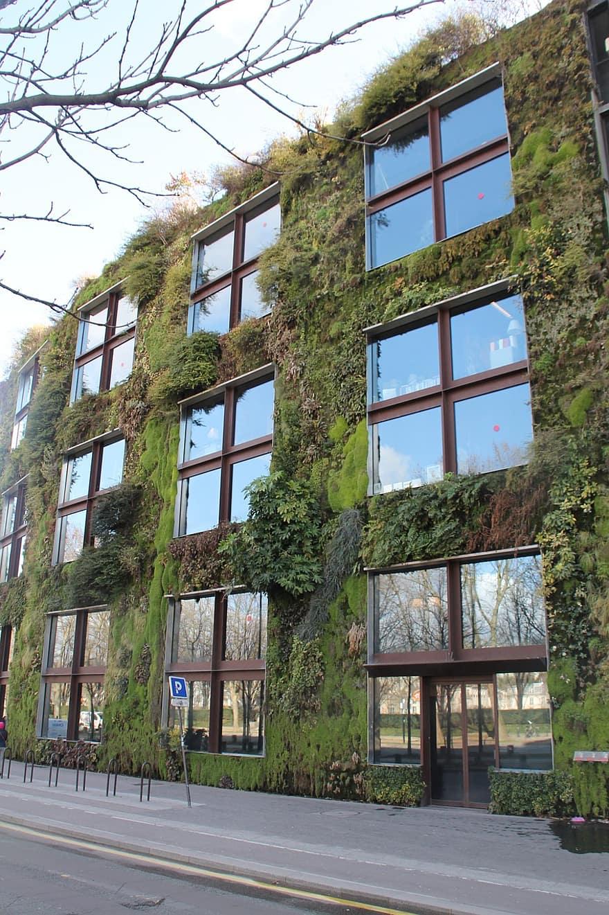 vertical garden paris monument green wall building plants