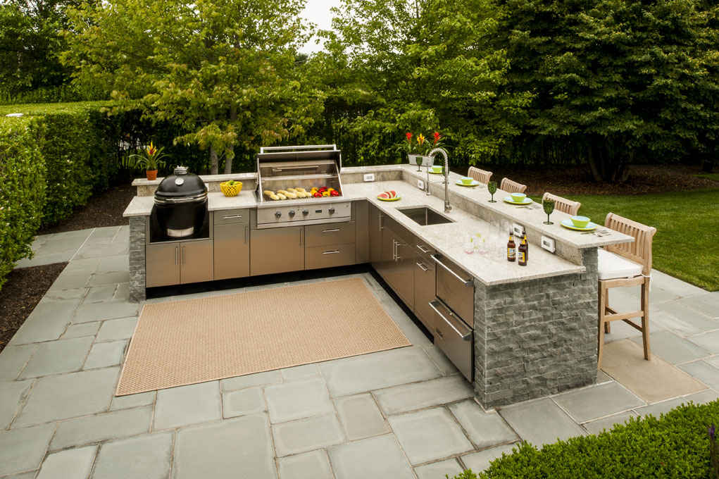 Best Design Outdoor Kitchen with BBQ Place