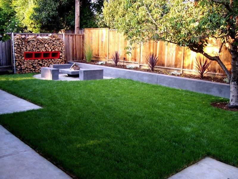 Minimalist Garden With Pavers Ideas