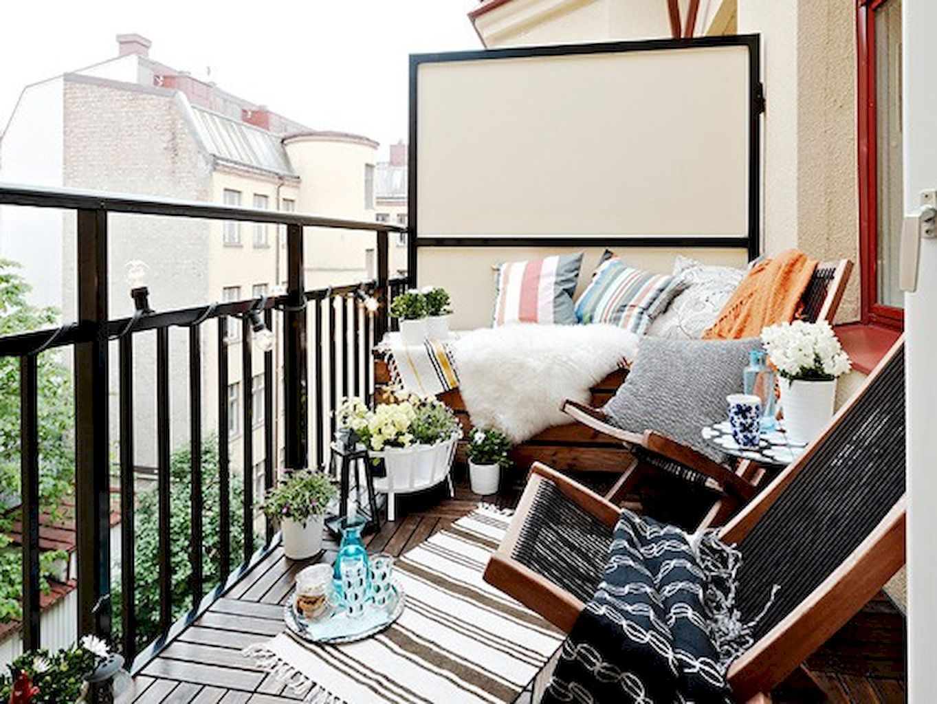 affordable small apartment balcony decoration ideas