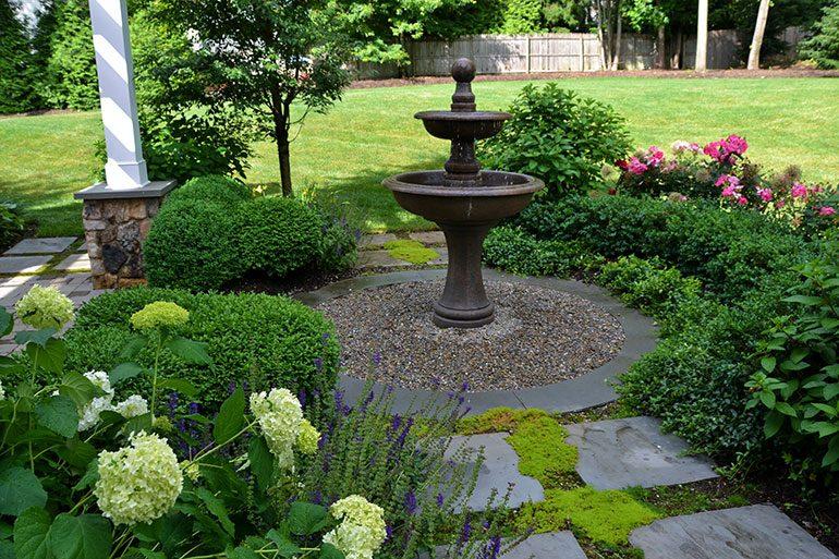 inspirational garden with fountain design