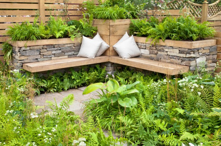 natural landscaping design with stone