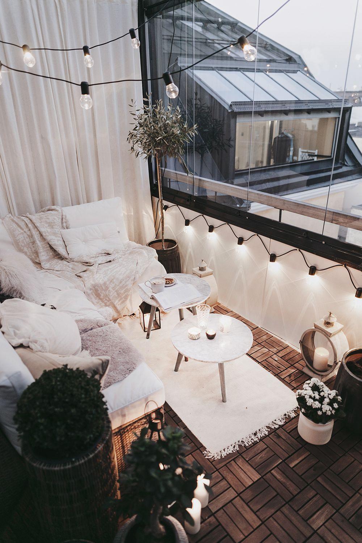 small outdoor balconies design
