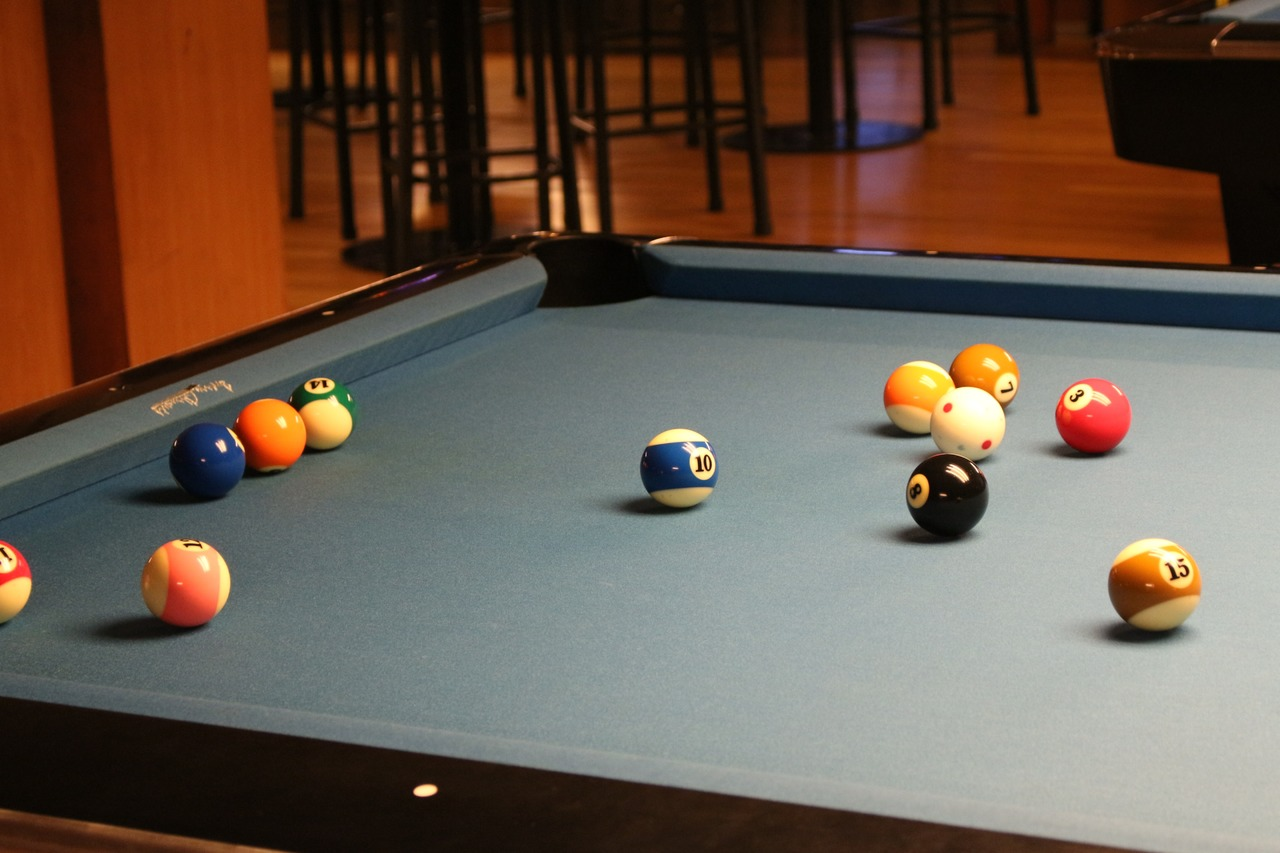 pool room wall colors