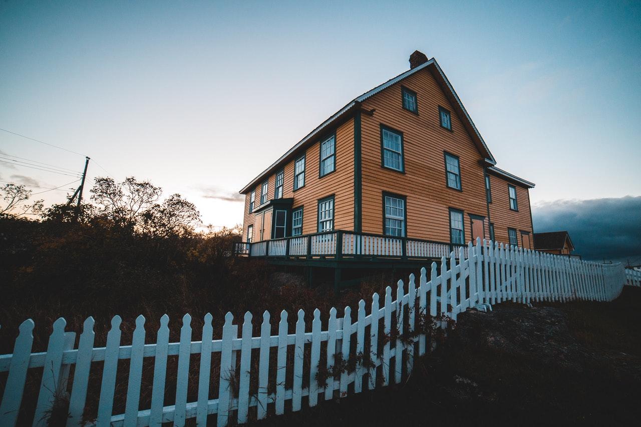 minimalist house style