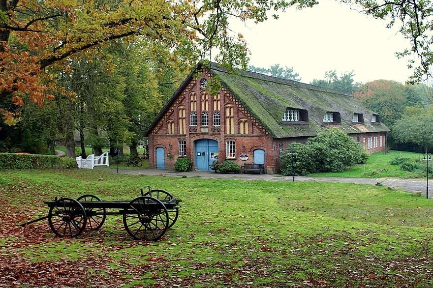 farmhouse homestead hof building house farm agriculture rustic old farmhouse