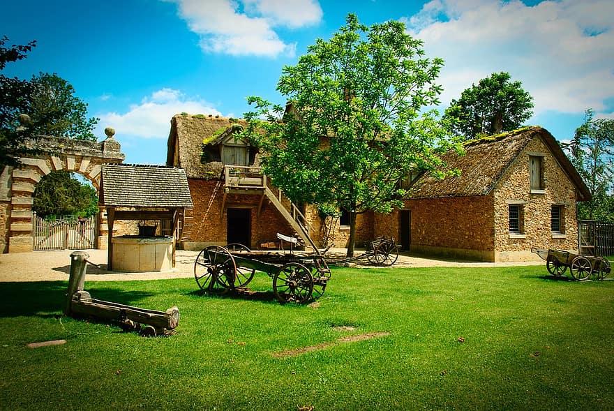 farmhouse museum marie antoinette hameau de la pure
