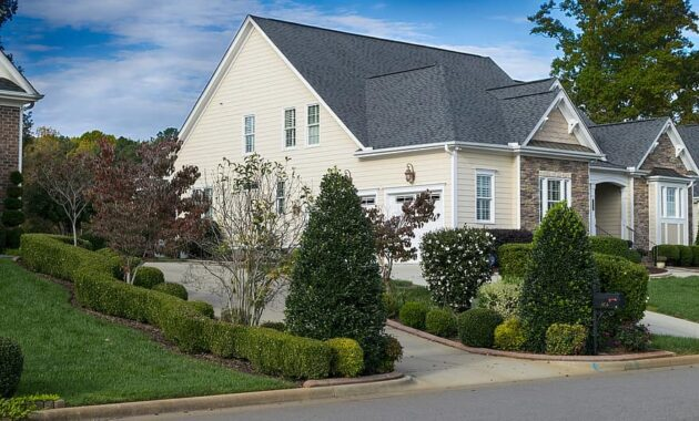 house driveway lawn estate home property residential front front of house
