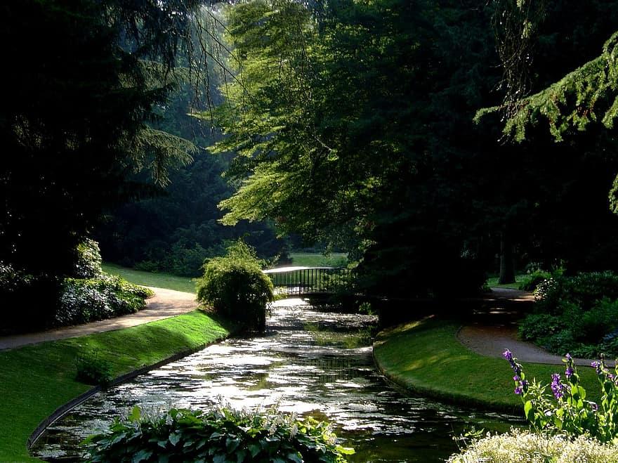schlossgarten benrath dusseldorf park bridge castle pond park castle park horticulture germany