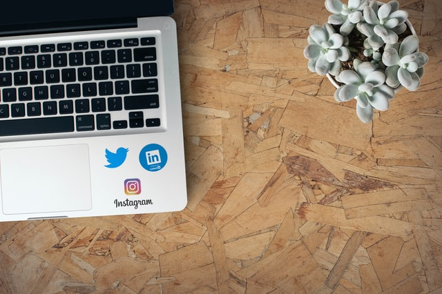 How to View Saved Jobs on LinkedIn using pc and mobile apps