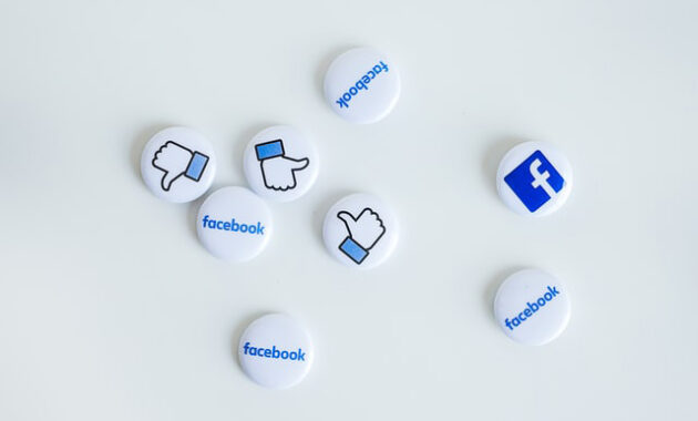 how to tag a business on Facebook