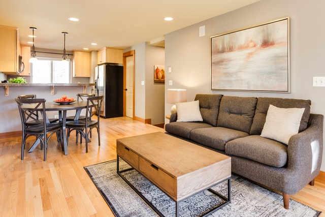 gold paint frame living room design