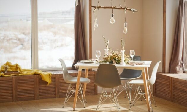 hanging lamp with three bulb