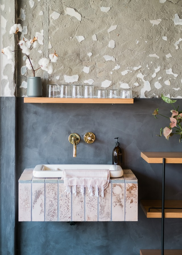 rustic and abstract wall decor ideas