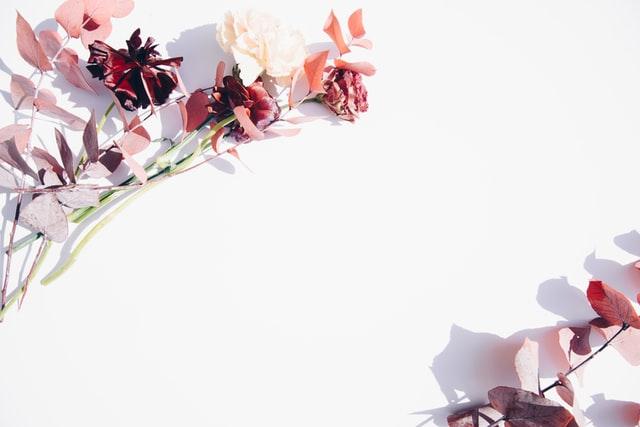 simple and minimalist flower wall decor ideas