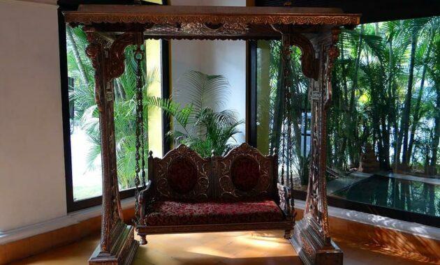swing ornate style elegance