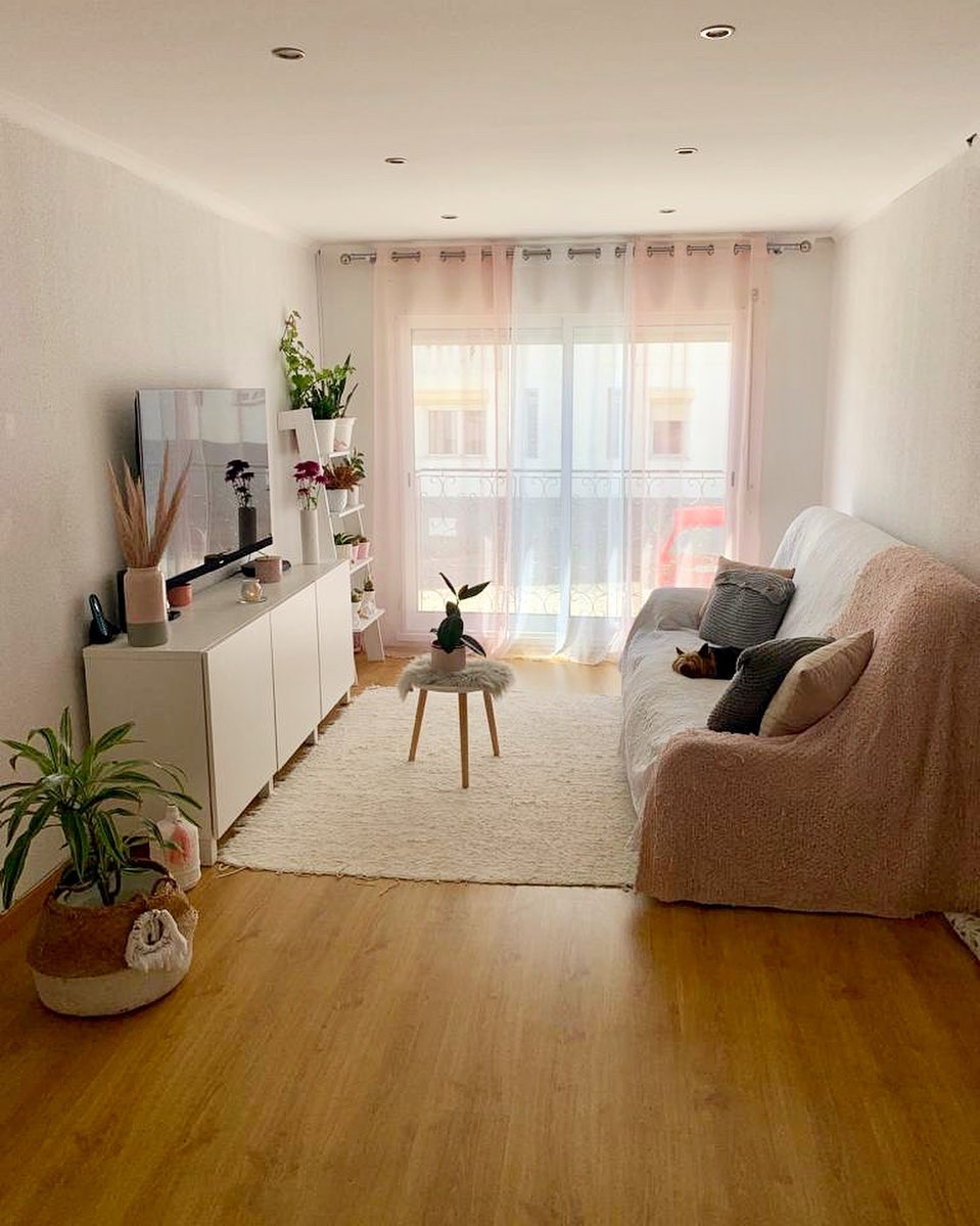 pink curtain living room