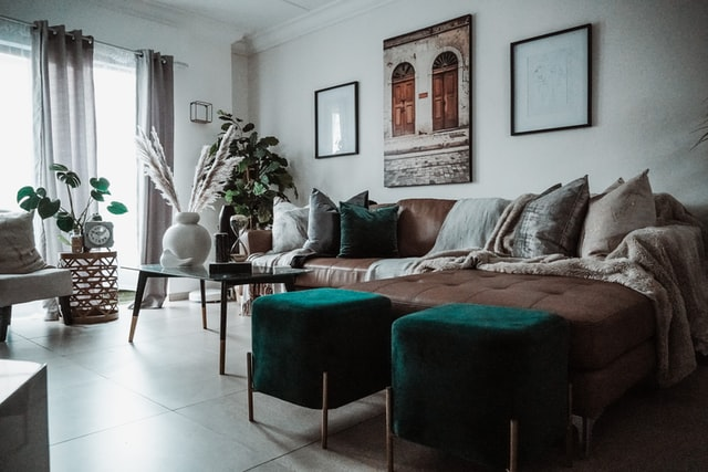 simple scandinavian style with gray curtain