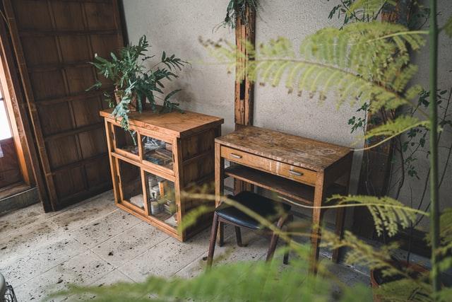 wood bench rustic decor