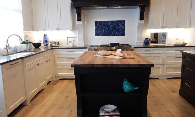 kitchen house home stove island interior design residential modern room