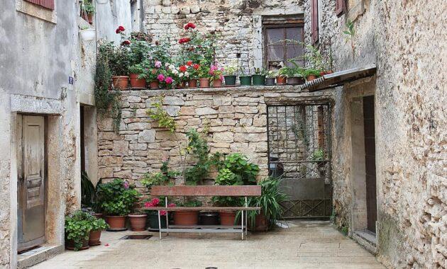 croatia bank flowers backyard planters romantic relax rest