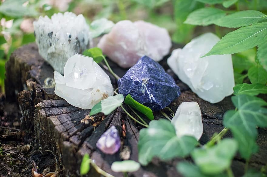 crystals stones healing mystic spiritual quartz rose quartz