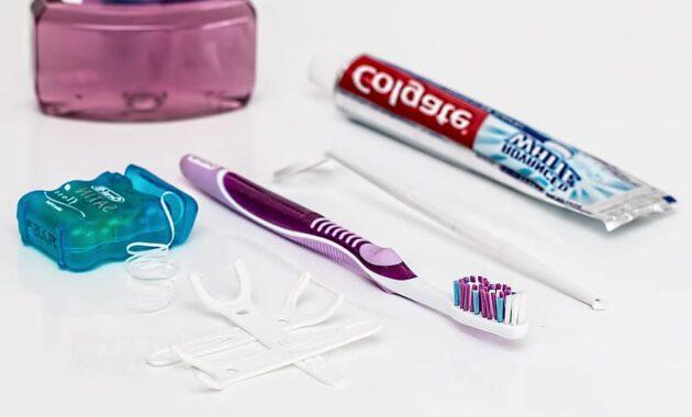 dental toothpaste toothbrush dental floss mouthwash clean teeth dentistry healthcare