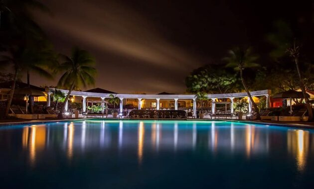 pool spa wellness hotel resort relaxation swimming vacation leisure