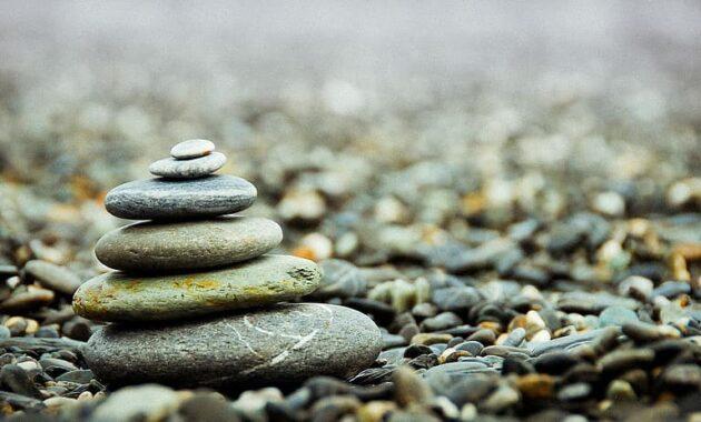 stones pebbles stack pile zen balance meditation peace pattern