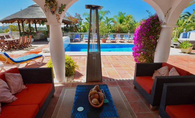 villa backyard holiday villa swimming pool relaxing seating holiday luxurious modern